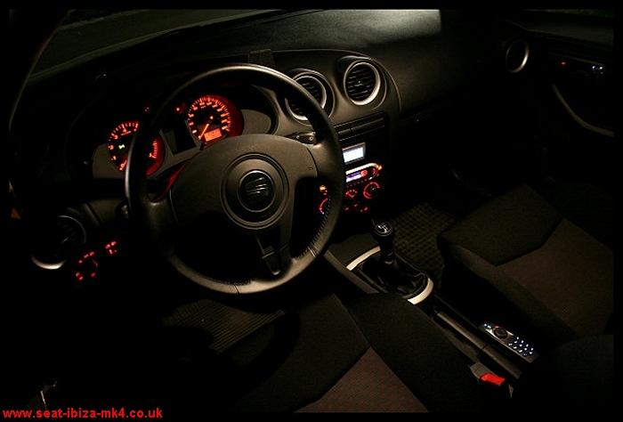 Seat ibiza seat ibiza photo gallery for Seat cordoba interior