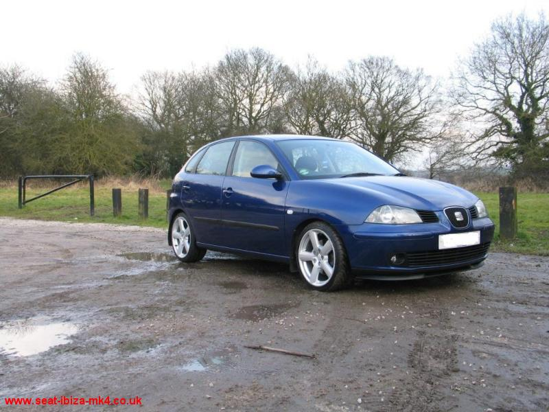 Seat Ibiza Sport. Photo of Eclipse Blue Seat